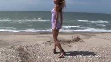 Gilda Roberts on her sexy vacation