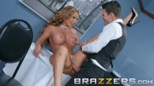 Brazzers - Milf Richelle Ryan wants some young office dick - duration 8:00