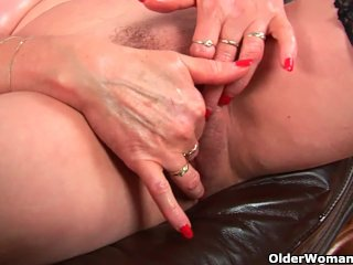 Granny With Big Tits Finger Fucking Old Pussy