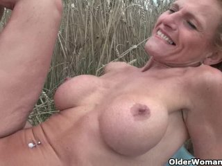 Senior Lady With Big Tits Gets Fucked Outdoors