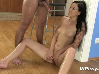 Pee Loving Amateur Gets Drenched From Head To Toe