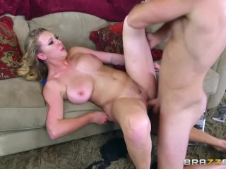 Brooke Wylde Shows Her Big Tits - Brazzers