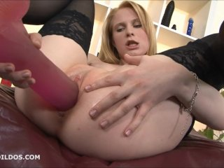 Amazing Blonde Fills Her Pussy With Big Dildos