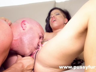 Gigi Love Makes A Super Sloppy Deepthroat! Face Fuck Inside