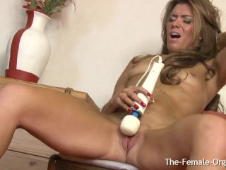 Did Milf Masturbate Her Slit With The Wand To Orgasm