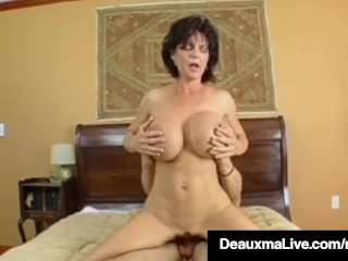 Texas Cougar Deauxma Is Banging Pretty Hard Juicy Wet Ass!