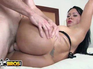 Bangbros - Teen Jamie Jackson Shows Off Her Nice Round Ass!