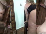 Married PAWG Squirts in Front of Mirror