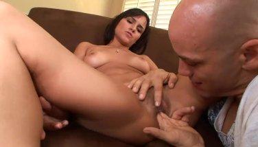 Camilla Bella sucking cock