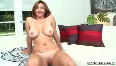 MILF Lisa with Columbian