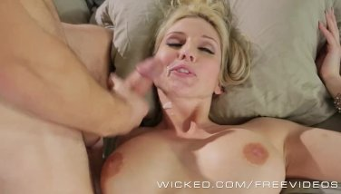 Wicked - My dads hot wife, Christie Stevens