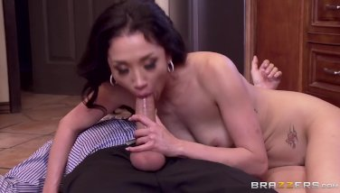 Cheating wife Vicki Chase loves anal - Brazzers