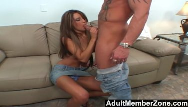 Adultmemberzone busty amy loves to fuck on cam 2