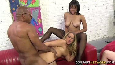 Britney Young and Lola Hart - Cuckold Sessions