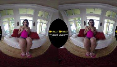 VR3000 - Bayside Booty - Starring Eden Sinclair - 180° HD VR Porn