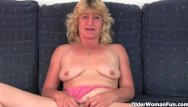 Older spread pussy Fuckable grandma spreads her pussy