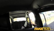 A new shemale Faketaxi new cab driver gives a good facial