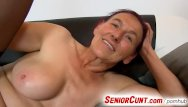 Hairy cunt close - Grandma linda hairy pussy fingering up close