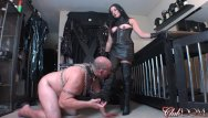 Slave eating pussy tubes Femdom michele trains slave to eat pussy