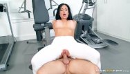 Bbw squating Squatting on that dick - brazzers