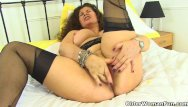 Jaime gillis xxx black English milf gilly lowers her knickers