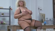 Dita de leon bottoms up Euro bbw gilf dita gets turned on in kitchen