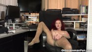 Chemical peels facial American milf heidi peels off her pantyhose and plays