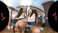 Sniffing pantyhose and stockings Stockingsvr - pantyhose princesses katy rose and victoria
