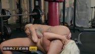 Post op lesbian Busty gym milfs alura jenson joslyn james get some post workou - brazzers