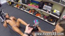 Grosse amateur Muscular Chick Spreads Eagle