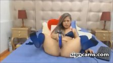 Teen In Sexy Blue Lingerie On webcam