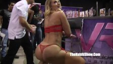 Too wild at Exxxotica chicao n freaks