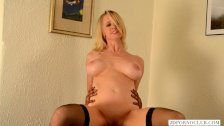 Hot mom Tabitha devours BBC