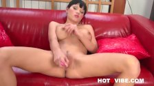 Emma squirts with her pink dildo