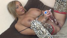 Miss Romana Ryder stimulates her clit
