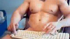 Big Cock Muscles Guy Jacking