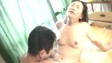 Hot Japanese MILF Gets Pounded And A Facial