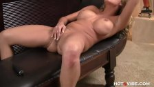 Charisma fucks her pussy with HotGVibe