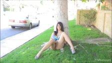 Sexy girl Kalila play with her self