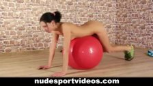 Sexy amateur babe doing fitness exercises