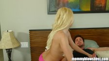 Young blond mommy Aaliyah Love gives Blowjob