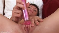 Milla Rubs her Clit With a Vibrator and Cums