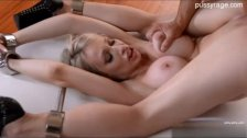 Sexy model creampie pussy