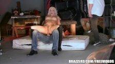 Dahlia Sky loves anal - Brazzers