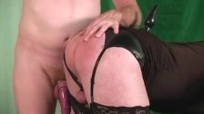 Blonde tranny used by guy