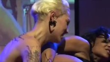 public girl fisting on showstage