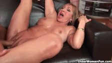 Hot grandma Luna Azul loves cum on her face