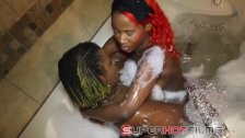 Superhotfilms : Poizon Ivy & yung slut in tub