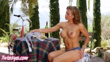 Twistys - Picnic perfection