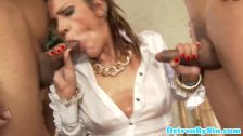 Glam Samia Duarte deepthroats two cocks